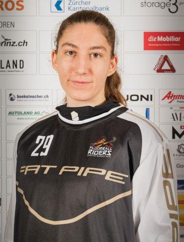 Portraitfoto Alina Räuftlin